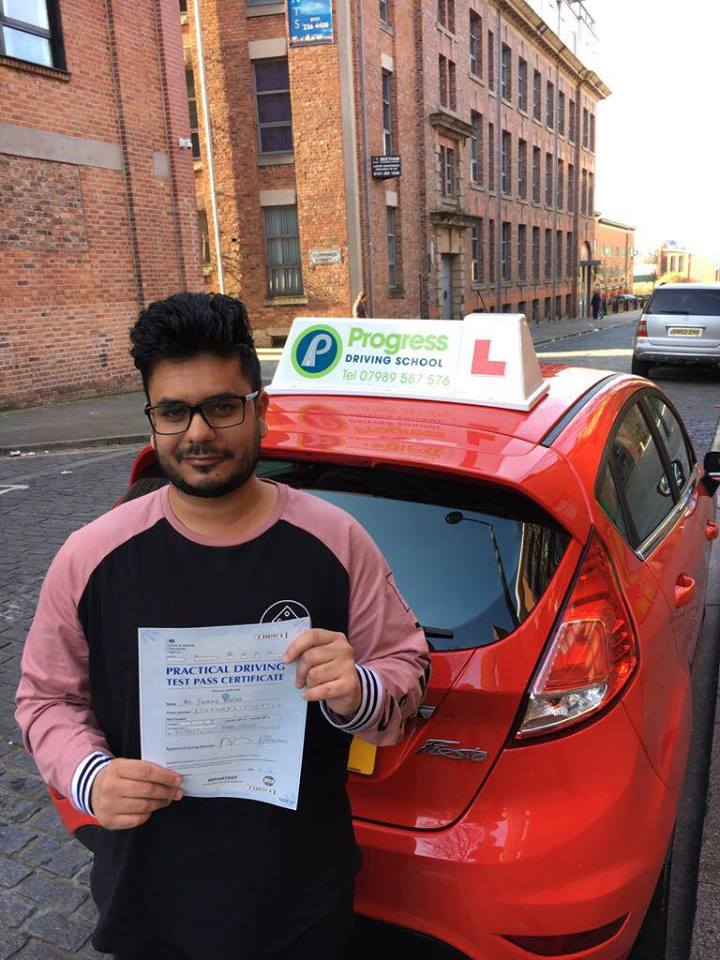 Shokaib passed his driving test with Progress Driving School